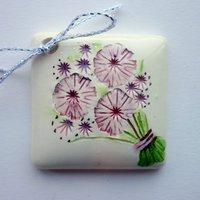 Bouquet tile tag 4cm sq
