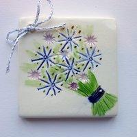Bouquet tile tag 5cm sq