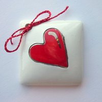 Red heart tile tag 4cm sq