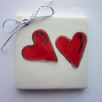 Twin red hearts tile tag 5cm sq